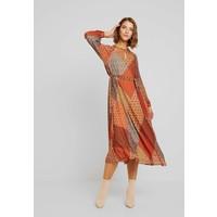 Warehouse GEO SCARF PLEATED MIDI DRESS Sukienka letnia orange WA221C0LW