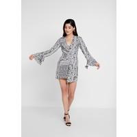 Missguided Petite FLORAL SCARF PRINT DRAPE DETAIL MINI DRESS Sukienka letnia white M0V21C082