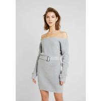Missguided OFF SHOULDER BELTED MINI DRESS Sukienka dzianinowa grey M0Q21C1CG