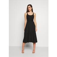 Good American BELTED OPEN FRONT SWING TANK DRESS Sukienka z dżerseju black GOM21C00N