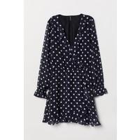 H&M Krótka sukienka kopertowa 0709269003 Ciemnoniebieski/Białe kropki