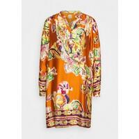 Emily van den Bergh Sukienka letnia camel/multicolour EV821C00P