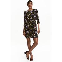 H&M Krótka sukienka 0410315003 Czarny/Kwiaty