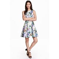 H&M Wzorzysta sukienka 0428212002 Biały/Kwiaty