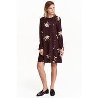 H&M Krótka sukienka 0431101007 Śliwkowy/Kwiaty