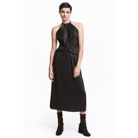 H&M Plisowana spódnica 0450455002 Prawie czarny