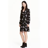 H&M Wzorzysta sukienka 0457255003 Czarny/Kwiaty