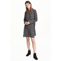 H&M Wzorzysta sukienka 0444553004 Czarny/Kwiaty