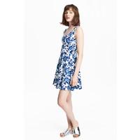 H&M Dżersejowa sukienka 0467302025 Biały/Kwiaty