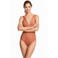 H&M Sznurowany kostium kąpielowy 0492608002 Rdzawy