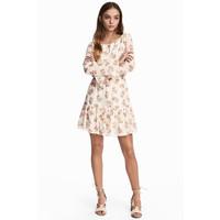 H&M Wzorzysta sukienka 0471432001 Biały/Kwiaty