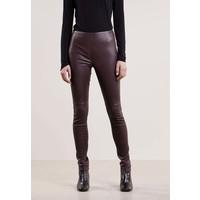 Bruuns Bazaar CHRISSY Spodnie skórzane dusty bordeaux BR321A01A