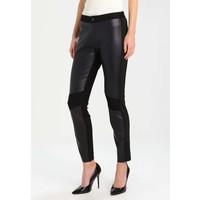 More & More Spodnie materiałowe black M5821A07I