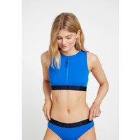 Calvin Klein Swimwear INTENSE POWER OPEN BACK CROP Góra od bikini duke blue C1781J00U