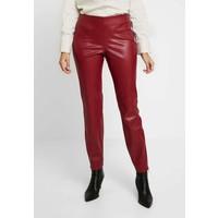 Apart PANTS Spodnie materiałowe bordeaux 4AP21A04P