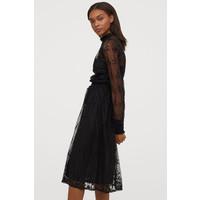 H&M Sukienka z haftem 0795776001 Czarny