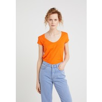 DRYKORN AVIVI T-shirt basic bright orange DR221D00D