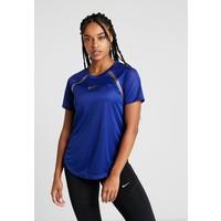 Nike Performance TOP GLAM T-shirt z nadrukiem deep royal blue/metallic gold N1241D10B