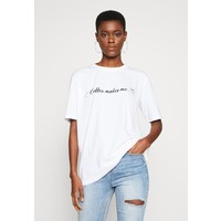 Missguided Tall EXCLUSIVE COFFEE MAKES ME SMILE T-shirt z nadrukiem white MIG21D02P