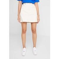 Levi's® DECON ICONIC SKIRT Spódnica mini ecru wide wale LE221B01W