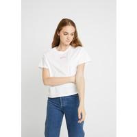Levi's® GRAPHIC VARSITY TEE T-shirt z nadrukiem box tab pink white LE221D07T