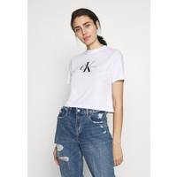 Calvin Klein Jeans MONOGRAM MODERN STRAIGHT CROP T-shirt z nadrukiem bright white C1821D09T