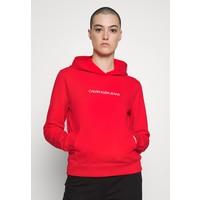 Calvin Klein Jeans SHRUNKEN INSTITUTIONAL HOODIE Bluza z kapturem fiery red C1821J04T