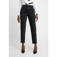 Calvin Klein Jeans MOM Jeansy Relaxed Fit black C1821N057