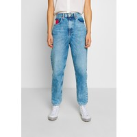 Tommy Jeans MOM JEAN Jeansy Relaxed Fit save light blue rig TOB21N04X