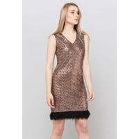 Monnari Cekinowa sukienka z pięknym dołem 19Z-DRE3850-KM14