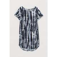 H&M Sukienka typu T-shirt 0401044005 Czarny/Wzór