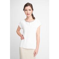 Quiosque Biała bluzka z ozdobnym dekoltem 2HT003101