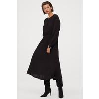 H&M Sukienka z marszczeniem 0812683013 Czarny