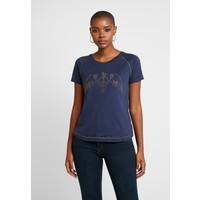 Mos Mosh MAG TEE T-shirt z nadrukiem blue MX921D00Y