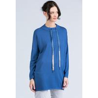 Monnari Oversizowy sweter z troczkami przy dekolcie 20W-QNS0280-KM12