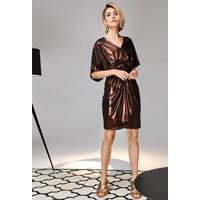 Monnari Połyskująca wieczorowa sukienka FEM-19J-DRK65274-KMLC