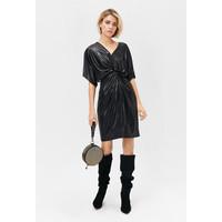 Monnari Połyskująca wieczorowa sukienka FEM-19J-DRK65274-K99X