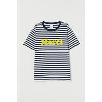 H&M T-shirt z aplikacją 0857797003 Ciemnoniebieski/Merci