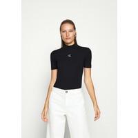 Calvin Klein Jeans RAISED SILVER TEE T-shirt z nadrukiem black C1821D0CF