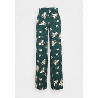 Vero Moda VMSIMPLY EASY WIDE PANT Spodnie materiałowe ponderosa pine VE121A0WF