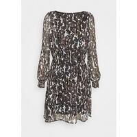 Vero Moda VMMALLY BOATNECK SHORT DRESS Sukienka letnia black/mally tan VE121C2BO