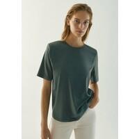 Massimo Dutti MIT SCHULTERPOLSTERN T-shirt basic green M3I21D08O