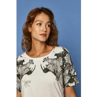 MEDICINE Medicine T-shirt by Kasia Walentynowicz i Zagrywki 6901-TSDC62