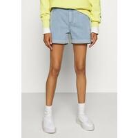 Lee MOM Szorty jeansowe bright light LE421S00P