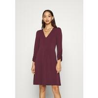 Vero Moda VMALBERTA V NECK DRESS Sukienka z dżerseju winetasting VE121C2DD