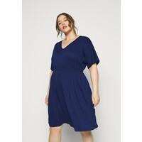 Vero Moda Curve VMRITA SMOCK DRESS Sukienka letnia blue depths VEE21C049