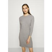 GANT STRETCH CABLE DRESS Sukienka dzianinowa grey melange GA321C02Y