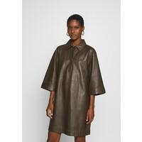 Oakwood RAPSODY Sukienka letnia khaki OA121C00F