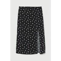 H&M Spódnica z długimi rozcięciami 0842062002 Czarny/Fioletowe kwiaty