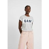 GANT T-shirt z nadrukiem light grey melange GA321D045